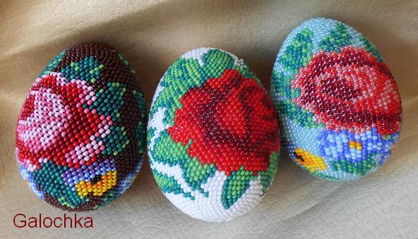 Сувенирные яйца, связанные крючком